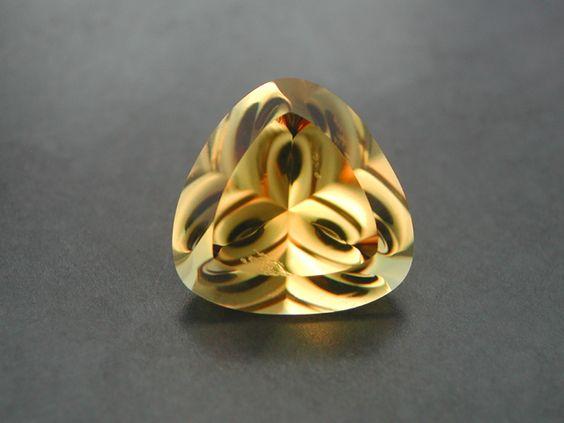 scapolit cut vàng