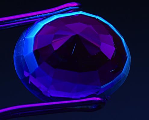 tính phát quang của đá quý