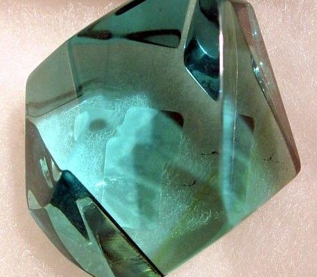 thủy tinh tự nhiên obsidia