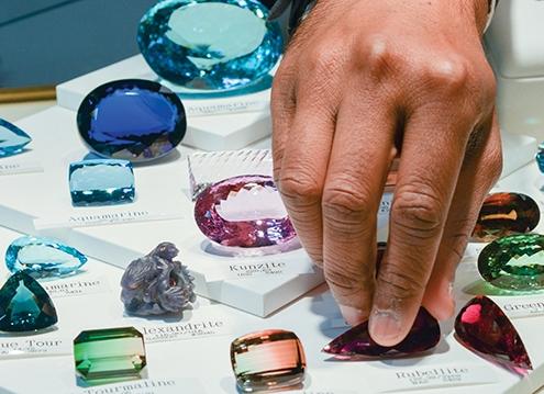 tiêu chuẩn giá trị đá quý