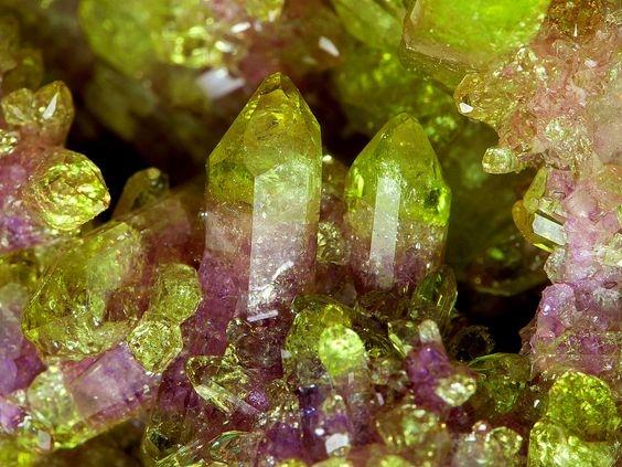 vesuvian vesuvianite