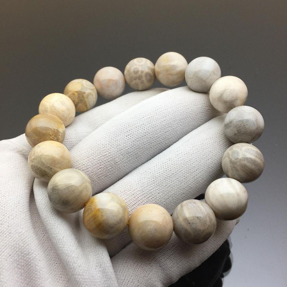 Vòng tay phong thủy đá san hô trắng hóa thạch 14mm