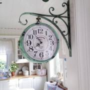 Treo đồng hồ phòng khách theo phong thủy