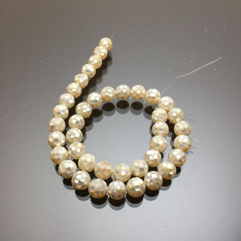 Chuỗi hạt vỏ ốc thiên nhiên màu trắng 10mm 2