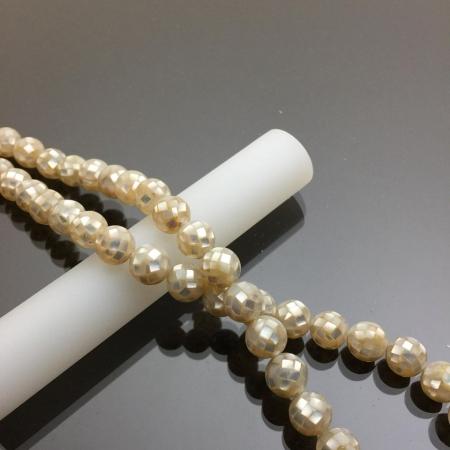 Chuỗi hạt vỏ ốc thiên nhiên màu trắng 10mm