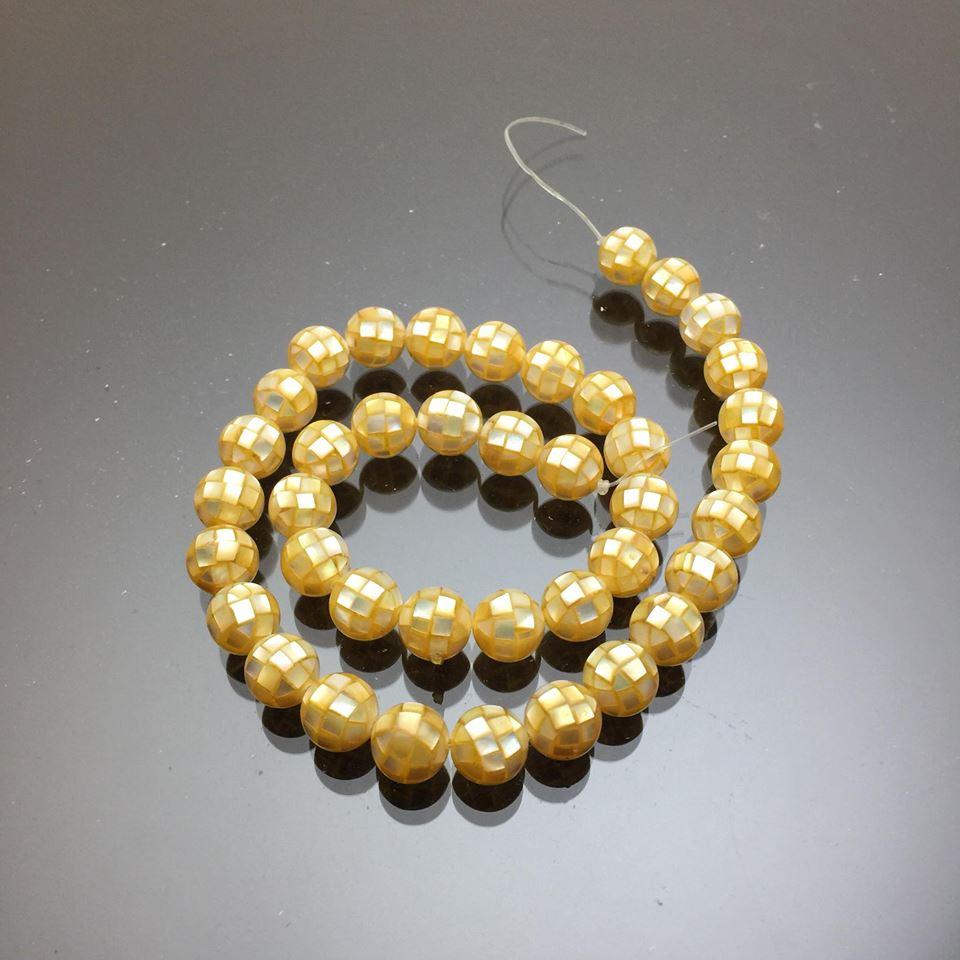 Chuỗi hạt vỏ ốc thiên nhiên màu vàng 10mm 2